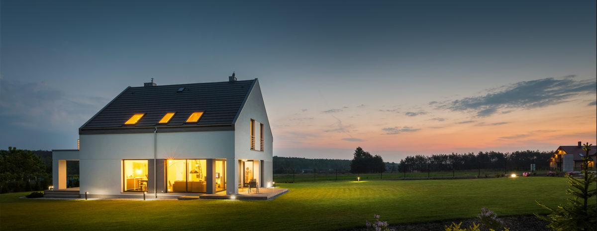 Automatyczne podlewanie ogrodu za pomocą urządzeniom realizującym sterowanie zraszaczami do nawadniania trawnika – Senso Smart Home