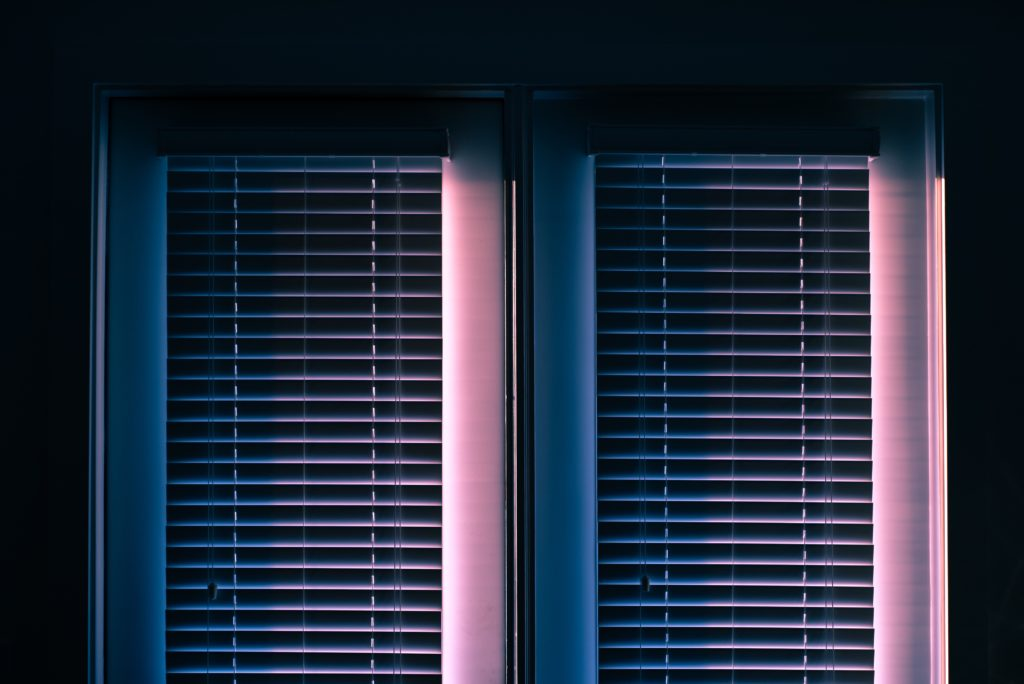 Zdalne Sterowanie roletami według harmonogramu poprzez system inteligentny dom grenton – Senso Smart Home